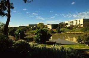 flinders-campus-red